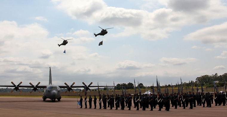 Pilot s Post - SOUTH AFRICAN AIRFORCE PRESTIGE DAY PARADE 2016 a16d97c5ad41
